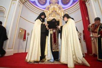 >В Стамбуле вновь открылась армянская церковь