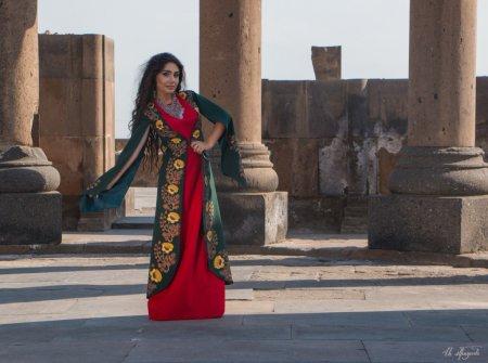 Армянская царица, возрождённая из руин