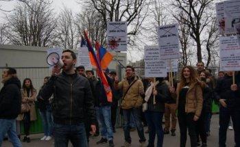 Армянская община помешала проведению антиармянского мероприятия