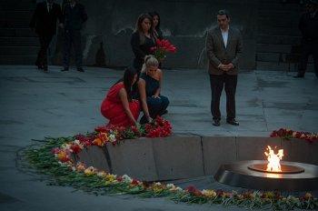 Ким Кардашян обвинила Wall Street Journal в пропаганде отрицания Геноцида армян