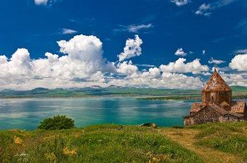 Число посетивших Армению за I квартал туристов возросло на 8,6% - министр