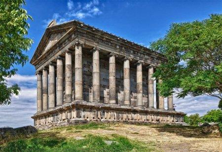 Языческий храм в Гарни, Армения