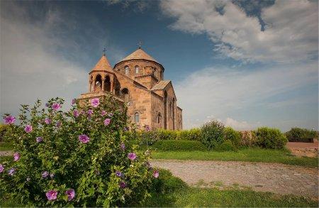 Церковь Святой Рипсиме, Армения