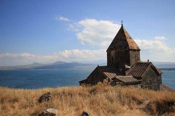 Севан может стать для Армении золотой жилой - эксперт