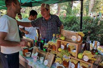 Аппетитное действо: в Тавуше прошел Шамшадинский фестиваль меда и ягод