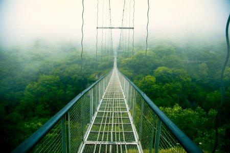 Висячий мост в селе Хндзореск