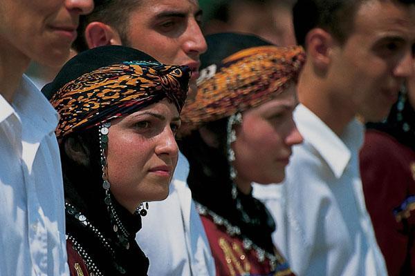 поняли, много ли в турции турок христиан касается финансов