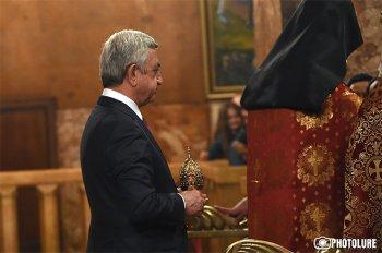 Президент Армении присутствовал на Святой литургии Пасхального Сочельника